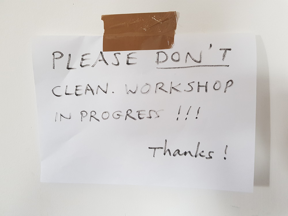 Please don't clean sign